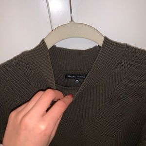 Kendal & Kylie sweater
